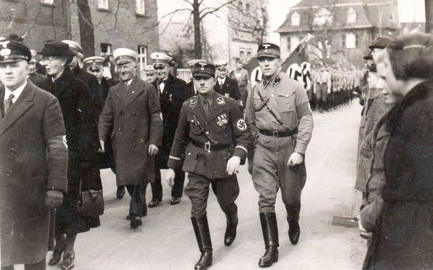 Otto Weißenberg (l.) mit Adjutant Laukemper