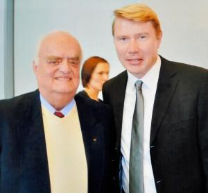 Herbert Wiethoff mit dem Motorsportler Michael Hakkinen