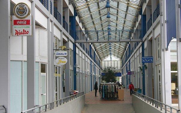 Ladenpassage am Wulfener Markt heute; Foto: Christian Gruber