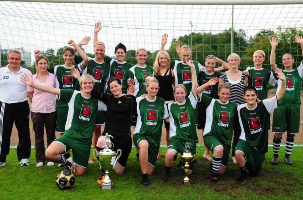 Fußballerinnen des FC Rhade erstmals Stadtmeisterinnen